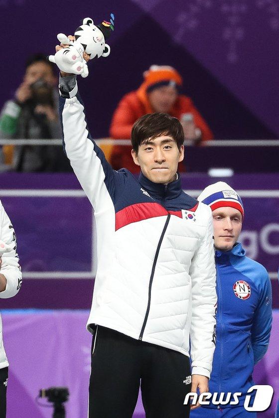 [사진]올림픽 3개 대회 연속 메달 차지한 이승훈