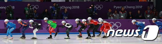 [사진]김보름 '천천히 달려요'