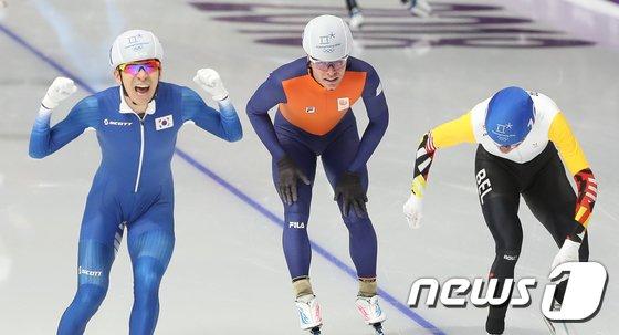[사진]이승훈 '매스스타트 금메달'