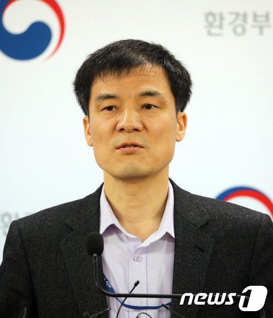 [사진]환경부 '미세먼지 환경기준 및 주의보 기준 강화'