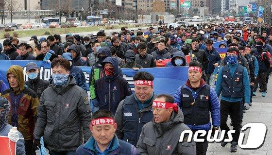 [사진]금속노조 '금호타이어 해외매각 철회·구조조정 저지'