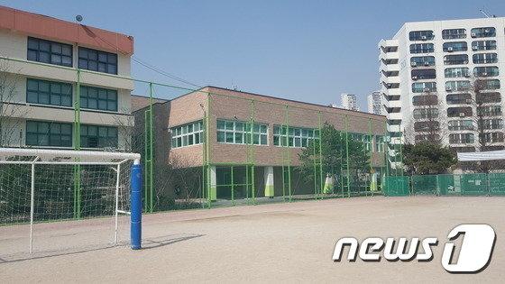 학생·교원 기부로 완공된 서울경원중 급식동(서울경원중 제공)© News1