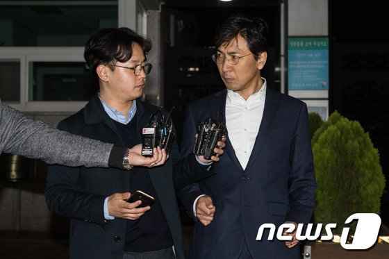 """[사진]구속영장 기각된 안희장 """"다 제 잘못입니다"""""""