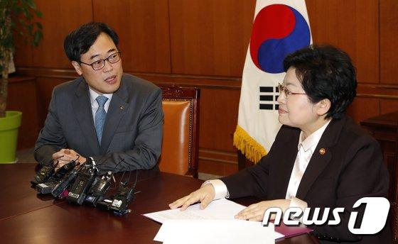 [사진]김기식 금감원장 '성차별 채용 근절 약속'
