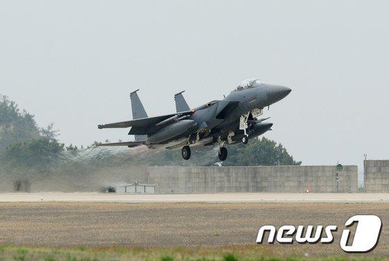 [사진]공군 F-15K 전투기 1대 경북 칠곡서 추락