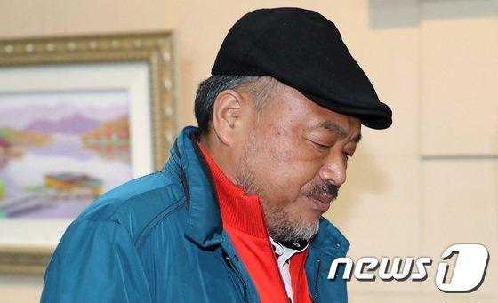 [사진]김흥국, '성실히 조사 받을 것'