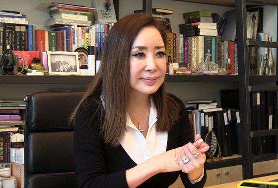 국내 1호 컬러리스트 김민경 소장은 인터넷쇼핑몰 코디에 현혹되지 말라고 조언했다. /사진=이상봉 기자