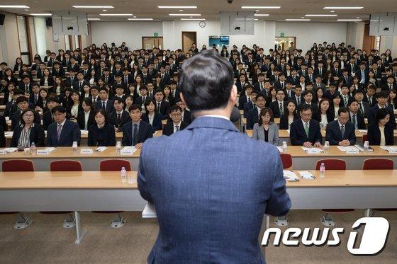[사진]5급 공채 합격자 329명 '공직 첫걸음'