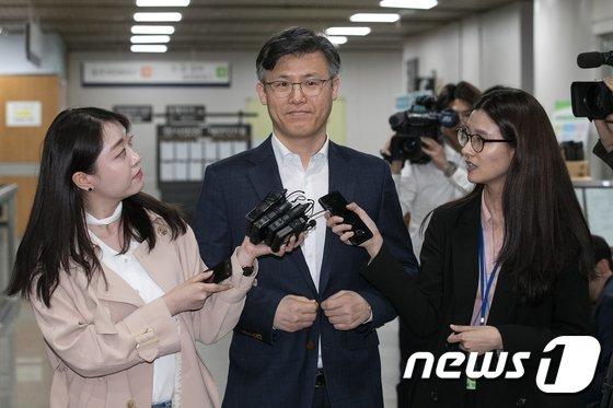 [사진]정호성 전 靑 비서관 '만기출소 후 법정 향합니다'