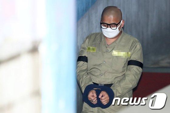 [사진]'어금니 아빠' 이영학, 첫 항소심 재판 출석