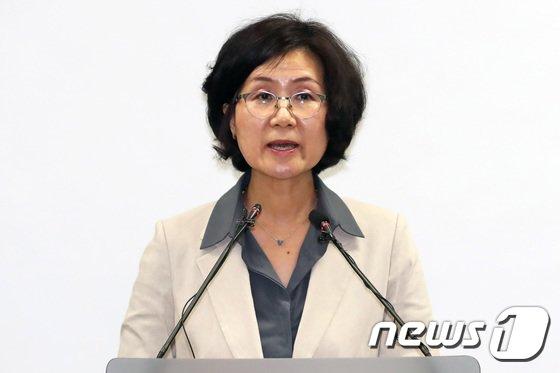 [사진]권인숙 위원장, 성폭력 피해 실태조사 결과 발표