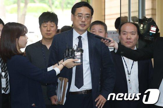 [사진] '최순실 태블릿PC 조작설 유포' 변희재, 영장실질심사 출석