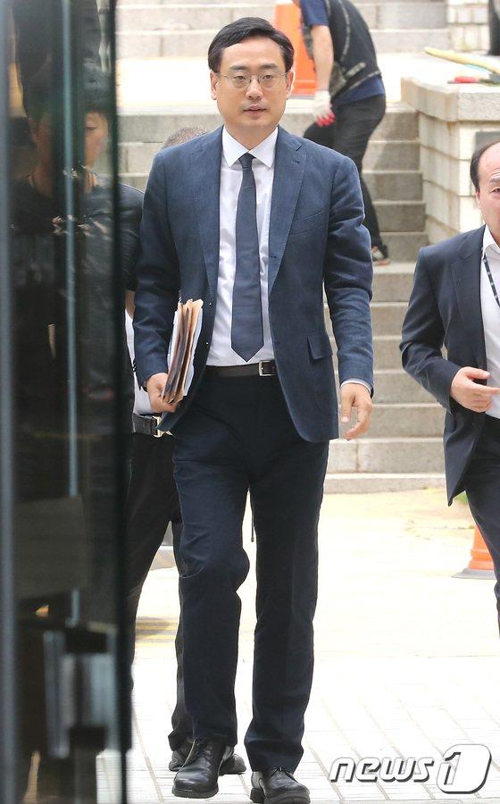 [사진]영장실질심사 출석하는 변희재 '최순실 태블릿 PC조작 주장'