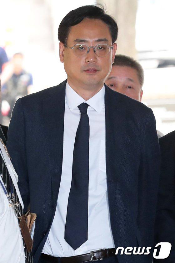 [사진]최준실 태블릿 PC 조작 주장하는 변희재, 피의자심문 출석