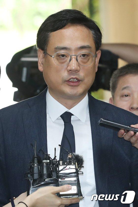 [사진]영장실질심사 출석하는 변희재 '최순실 태블릿 PC 조작 주장'