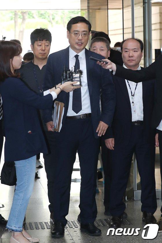 [사진]변희재 '영장실질심사 앞서 최순실 태블릿 PC 조작 주장'