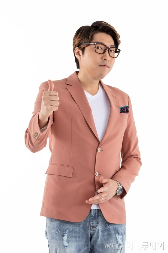 인기 유튜버(Youtuber·유튜브 영상 제작자) 대도서관(본명 나동현·40) / 사진제공=다이아 티비
