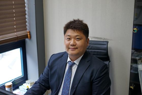 """""""각자 구워먹는 함바그…2030 女心 저격"""""""