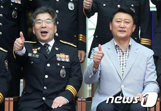 [사진]밝은 표정의 이철성-민갑룡