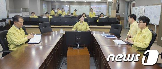 [사진]한강홍수통제소 방문한 김은경 장관