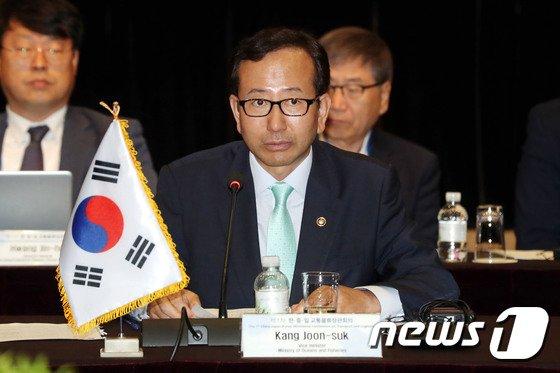 [사진]강준석 차관 '한중일 교통물류 장관회의 발언'