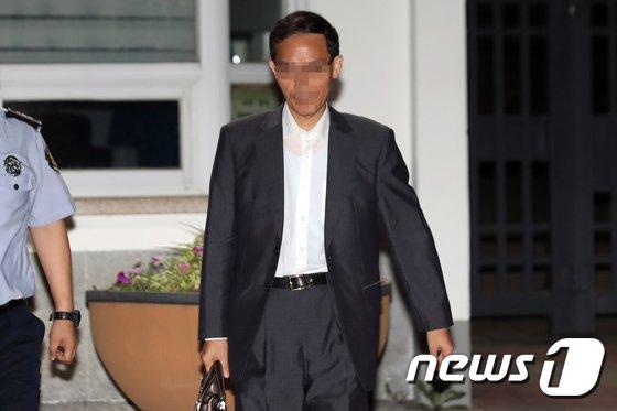 [사진]구치소 나서는 '드루킹' 측근 변호사