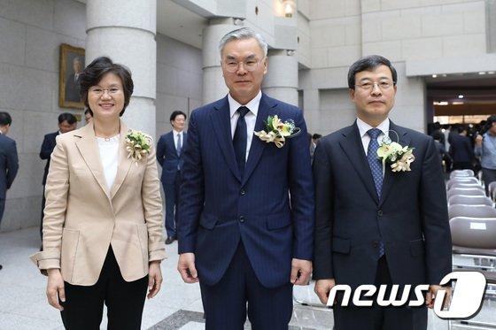 [사진]나란히 선 노정희·김선수·이동원 신임 대법관
