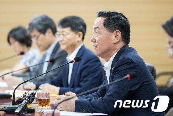 [사진]김상곤 부총리, 대입제도 개편 권고안 관련 교육부 입장은?
