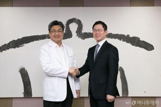 기쁨병원, 복강경수술로봇기 레보아이(Revo-i) 도입