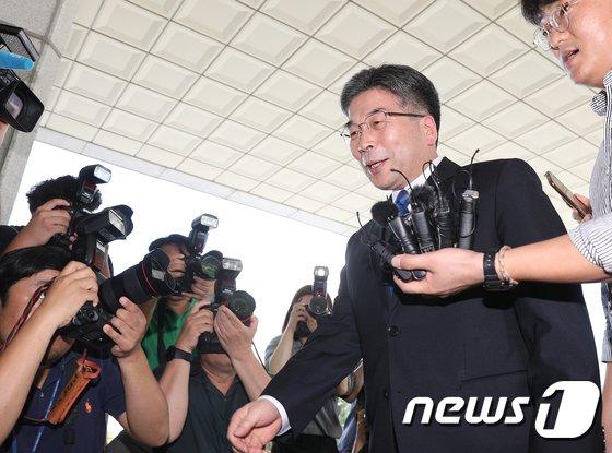 [사진]대검 방문하는 민갑룡 경찰청장
