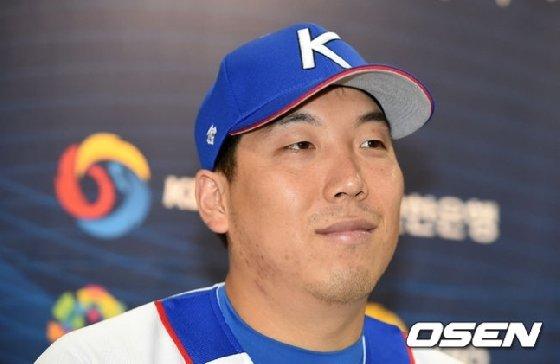 주장이자 중심타선에 기용될 김현수.