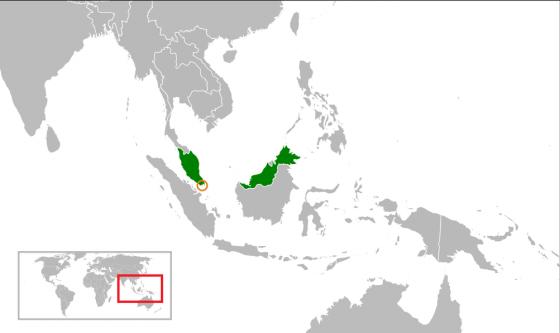 말레이시아, 싱가포르 지도. 현재 말레이시아의 영토는 초록색으로 칠해진 부분이다. 싱가포르의 영토는 노랑색 원 안쪽의 작은 부분이다. /사진=위키커먼스
