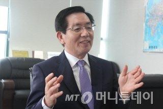 """""""스마트 개발 전략, 10년내 5개 신약 내놓는다"""""""