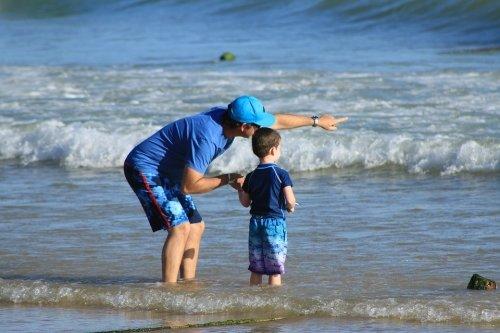 아이와 싸우면 부모가 먼저 사과하고 화해해야 하는 이유