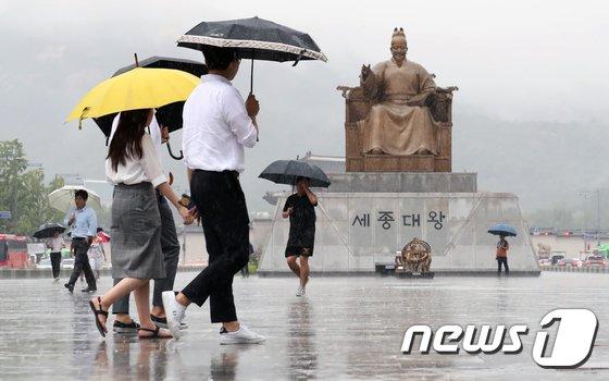 [사진]서울 도심을 적시는 비