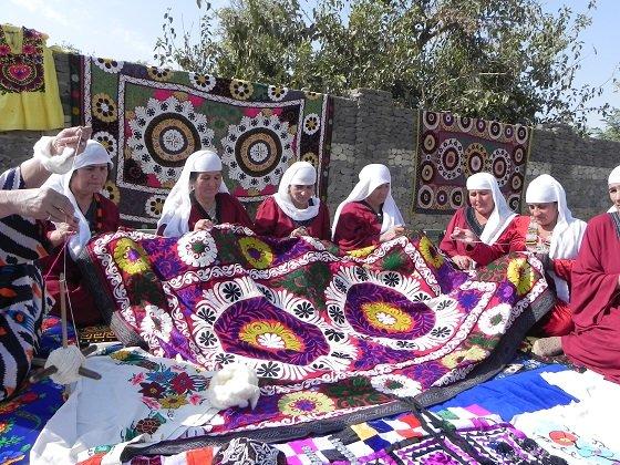 '중앙아시아 무형유산 영상과 사진전'에 출품된 타지키스탄의 전통자수 '차칸'. /사진=유네스코아태무형유산센터