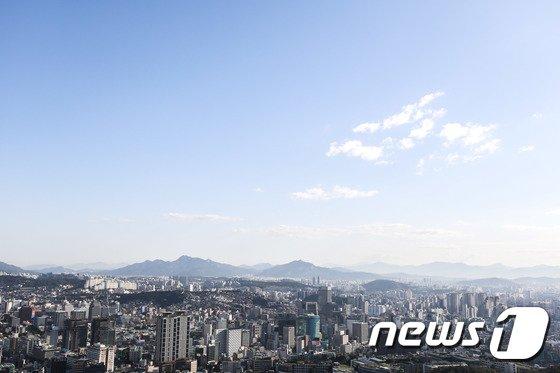 [사진]서울 도심에 펼쳐진 가을하늘