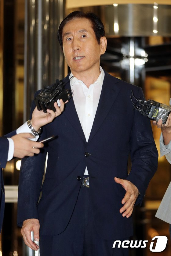 [사진]경찰 출석한 조현오 전 청장