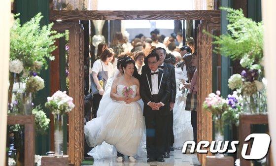 [사진]'어르신 꽃피는 웨딩쇼'