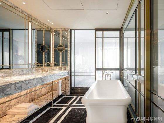 파라다이스시티의 부티크 호텔 '아트 파라디소'의 로얄 스위트. /사진제공=파라다이스시티