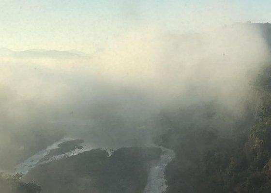 높은 곳에서 바라본 한탄강의 아침.