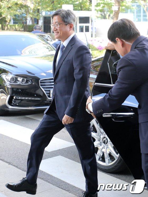 [사진]김명수 대법원장, 안양지원 시작으로 전국 판사 의견 정취