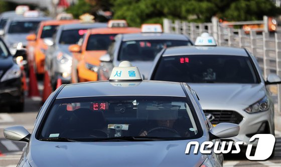 [사진]서울택시 기본요금 800원 오른다
