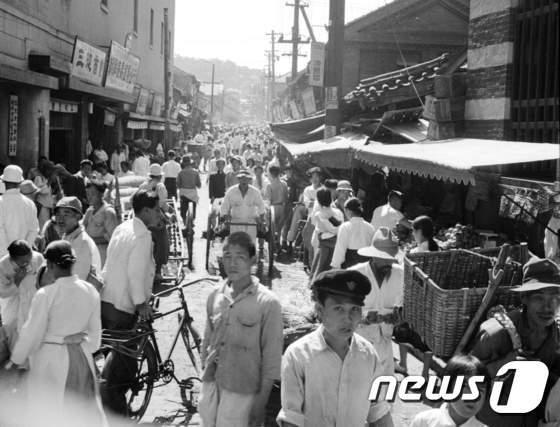 [사진]1948년 서울의 시장
