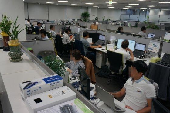 경기 성남 분당에 위치한 나무기술 본사에서 회사 임직원들이 연구개발에 매진하고 있다. / 사진제공=나무기술