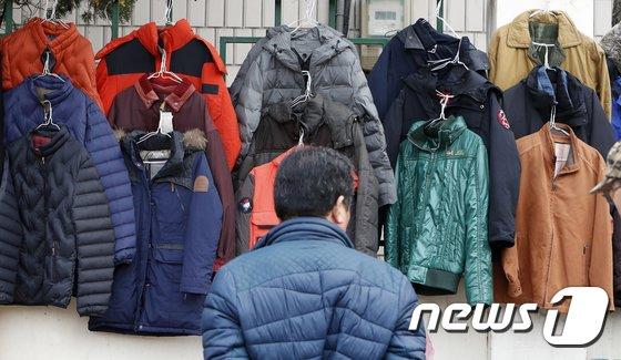 [사진]입동 '어떤 옷이 따뜻할까'