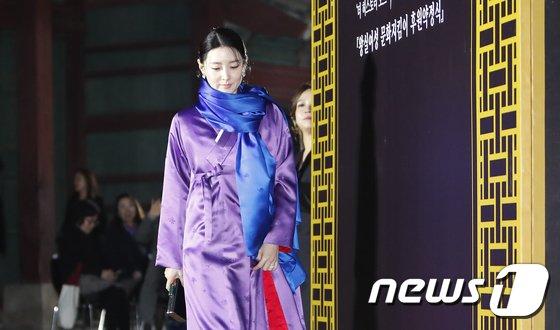 [사진]한복입은 이영애 '단아한 자태'