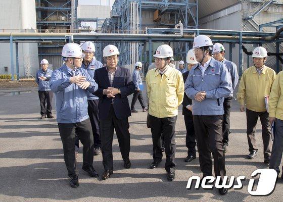 [사진]당진화력발전소 찾은 조명래 환경부 장관