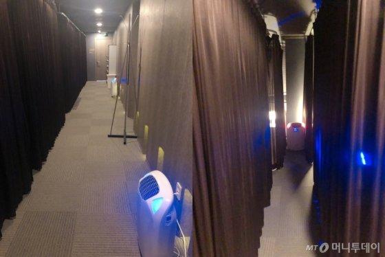 지난 15일 찾은 서울 영등포구의 한 수면카페 내부의 모습. 조용하고 어두운 분위기의 공간은 좌석 별로 칸막이가 있어 프라이버시가 보장됐다. /사진= 유승목 기자