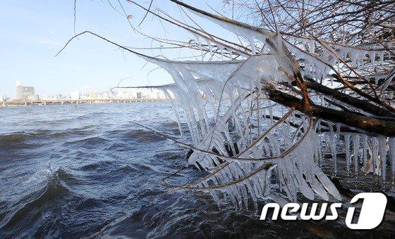 [사진]얼음꽃 핀 한강